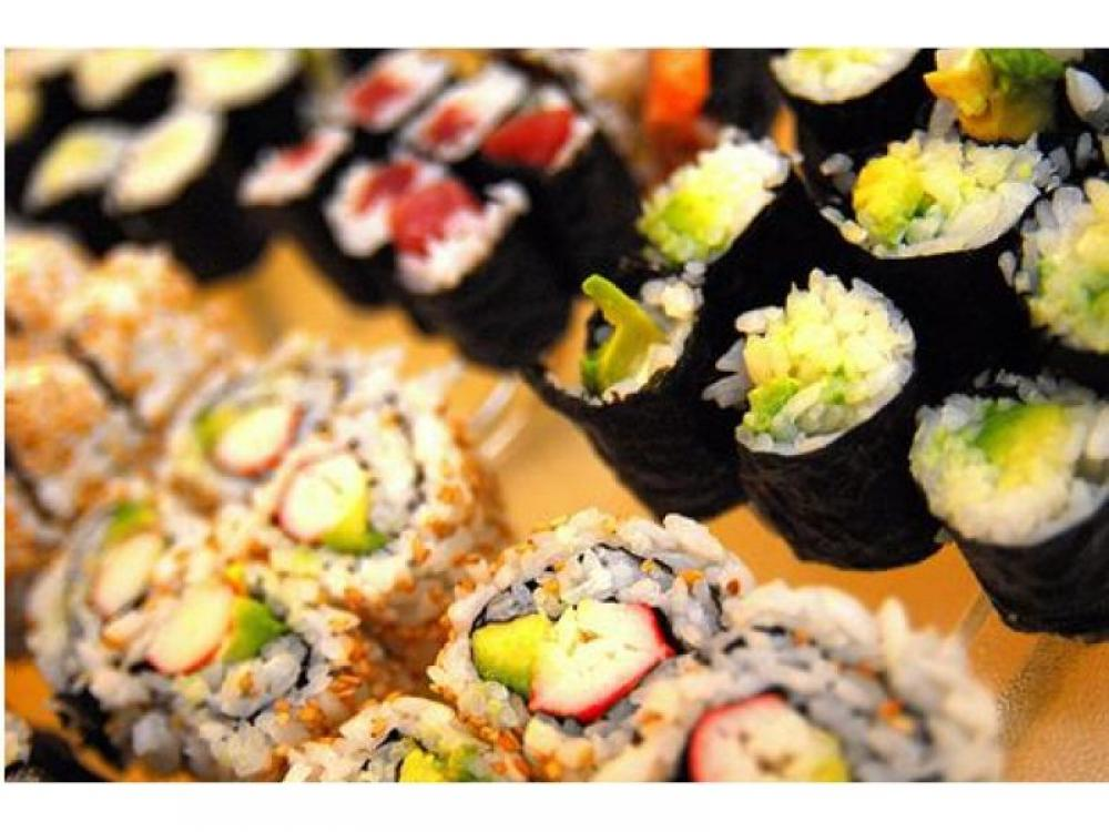 6 Days Sushi Takeaway Business for Sale – Ref: 2573