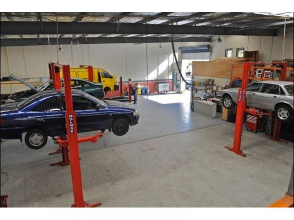 Workshop plus Optional Car Yard – Ref: 2471